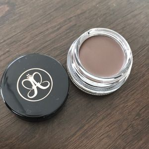 NEW Anastasia Beverly Hills dipbrow in Chocolate!